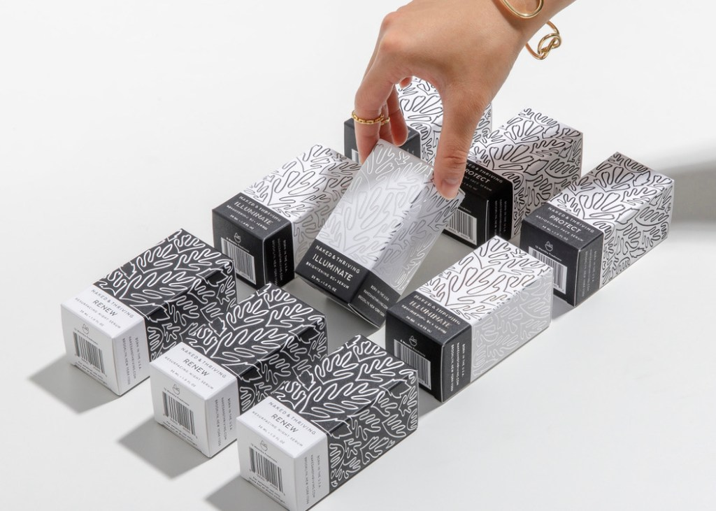 Example of stackable packaging