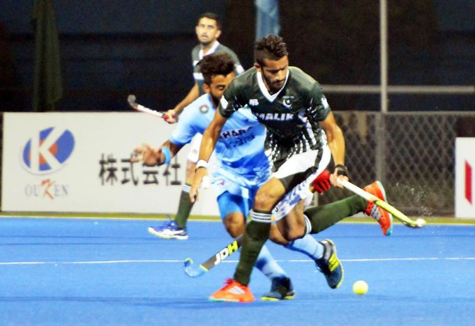 Pakistan lose to India 1-3 but make to Super Four (Photo by AHF)