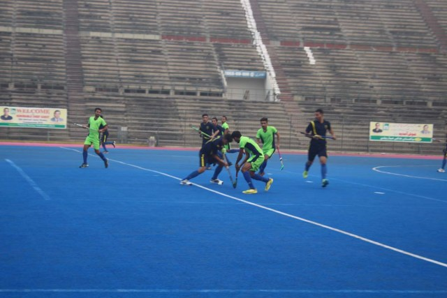 Wapda and Customs squeezed into the final of the 36th National Junior Hockey Championship after beating their respective opponents in the semifinals played here at the National Hockey Stadium on Saturday. In the first semifinal, Customs edged out Punjab A by 1-0 after a tough battle. Both the sides kept on attacking each other's goal but they couldn't convert a single one. In the 48th minute of the match, Sami converted a penalty corner successfully to steer his side to a well-deserving 1-0 victory. In the second semifinal of the day, Wapda outpaced SSGC 1-0 in a thrilling encounter. Both the teams kept on struggling till the end but no goal was converted till the 60th minute, when Wapda's Ali Aziz fired in a match-winning field goal to guide his side to 1-0 triumph.