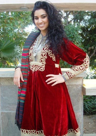 pretty17  Afghan Traditional Clothing