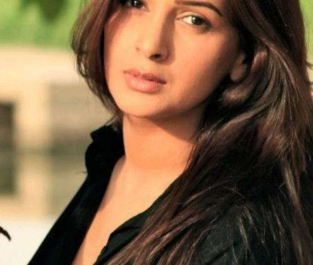 Saba Qamar Hot Pakistani Actress