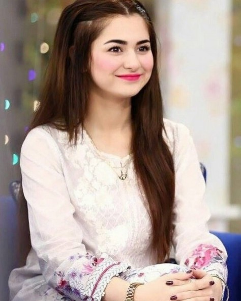 Hania Aamir sexy actress Height, Weight, Age, Body Measurement, Wedding, Bra Size, Husband, DOB, instagram, facebook, twitter, wiki
