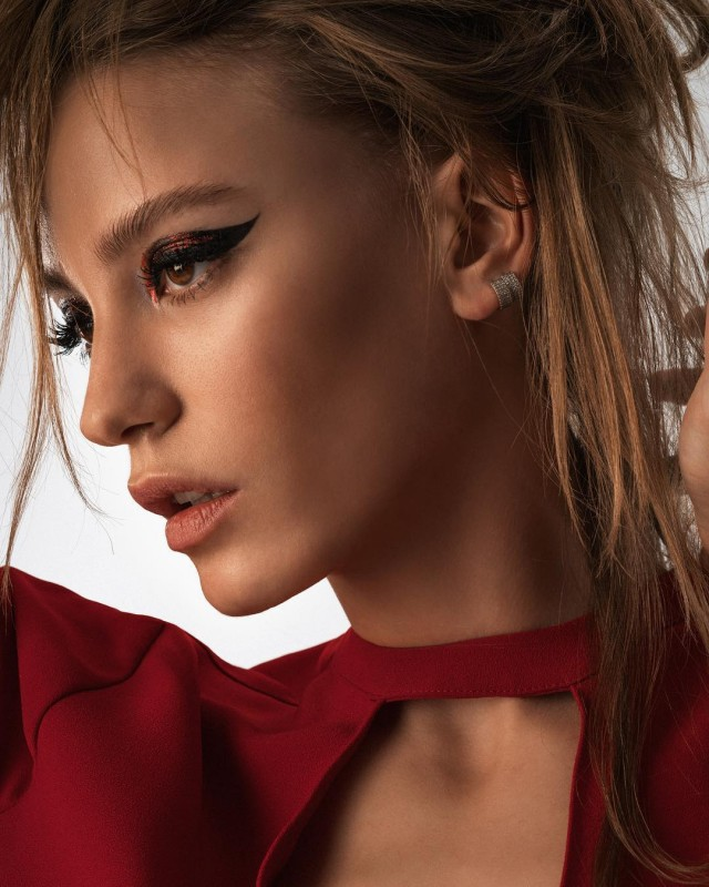 Serenay Sarikaya Biography Movies Dramas Height Age