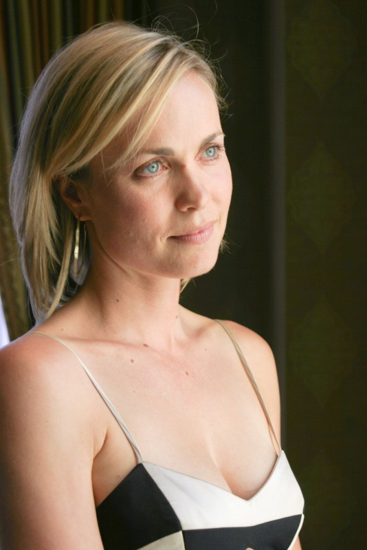 Stylish Wallpaper Girl Radha Mitchell Movies List Height Age Family Net Worth