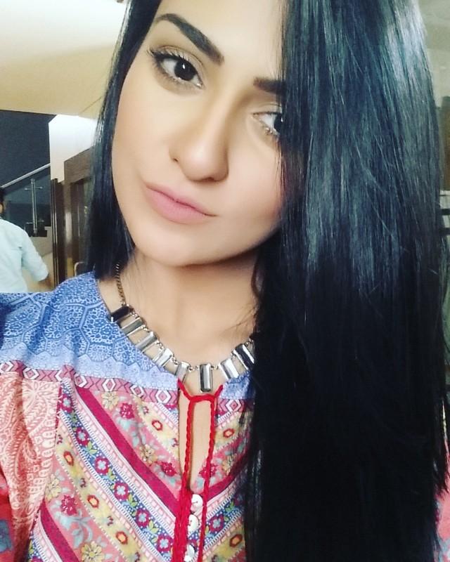 Sarah Khan Biography Dramas Height Age Family Net Worth