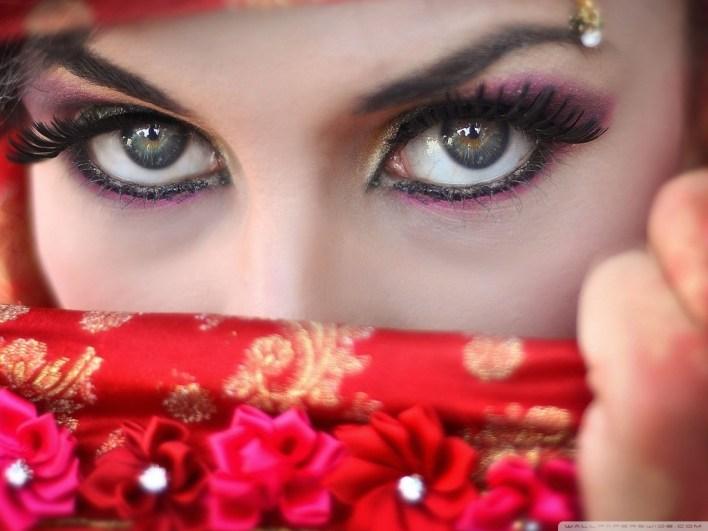 turkish_seductive_woman-wallpaper-1024x768