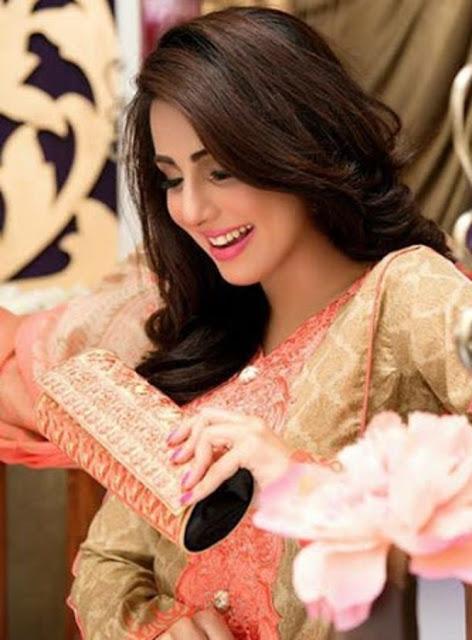 ushna-shah-shoot-for-falak-fabrics-4