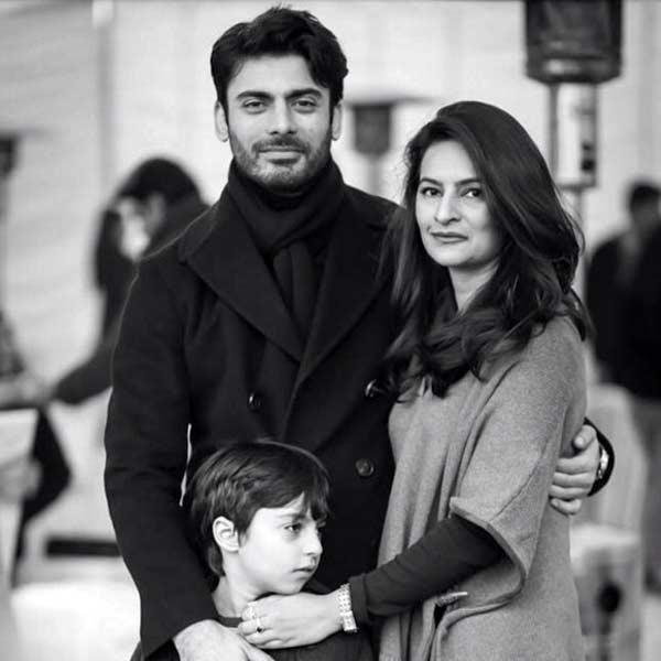 fawad-khan-with-wife-sadaf-and-son-ayaan-khan-201511-628227