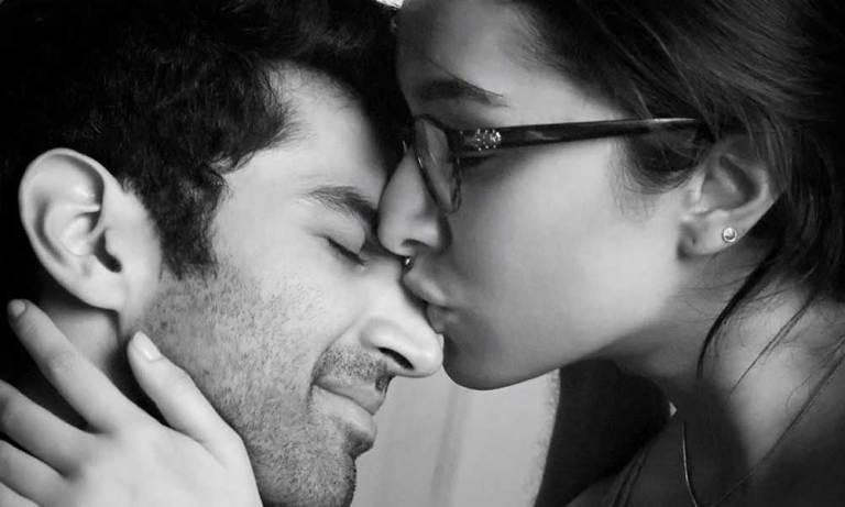 Shraddha Kapoor & Aditya Roy Cant Stop Kissing in Enna