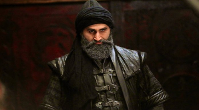 Ertugrul Ghazi's Main Character Sings