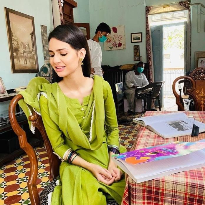 Madiha Imam gorgeous in coronavirus green dress
