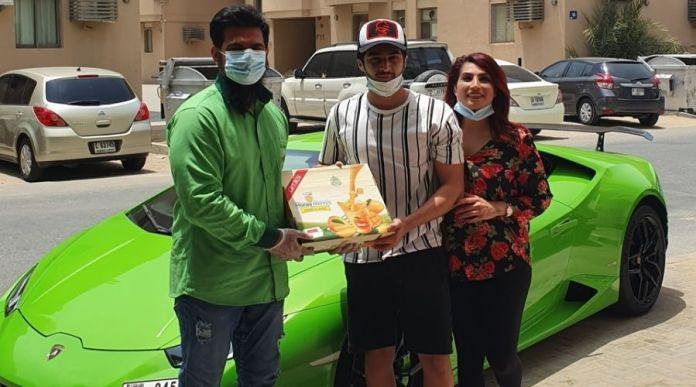 Dubai: Pakistani Supermarket delivers Mangoes in Lamborghini