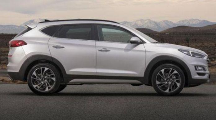 Hyundai Tucson Side view