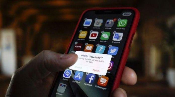 51 Dangerous Apps that You Should Delete Right Now!