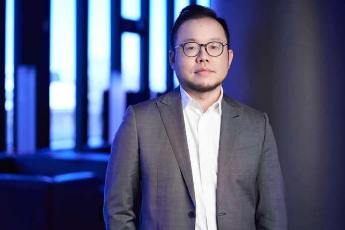 Denny Deng, Vice President, President of European Business at vivo