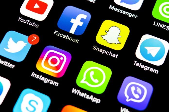 Pakistan Temporarily 'Blocks Social Media Platforms' To Maintain Law & Order