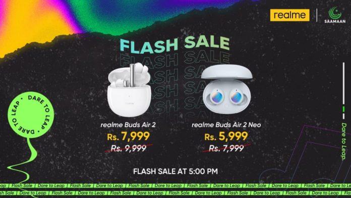 realme flash sale at saamaan.com