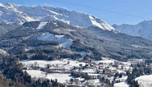 A winter- and a spring-hike at Les Adrets