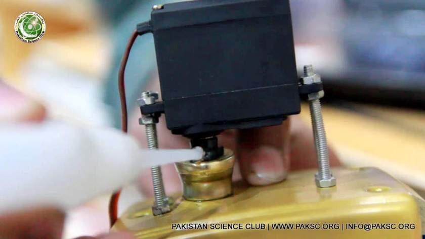 glue servo control horn with door lock handle