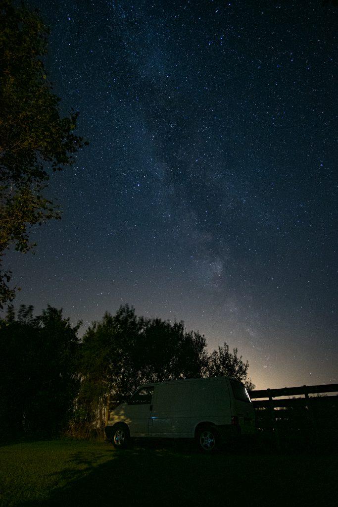 Miljoonia tähtiä ja reissupaku