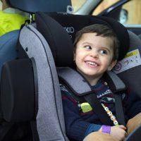 La nueva silla Axkid Minikid 2.0 permite viajar a contramarcha hasta los 25 kilos (6 años)