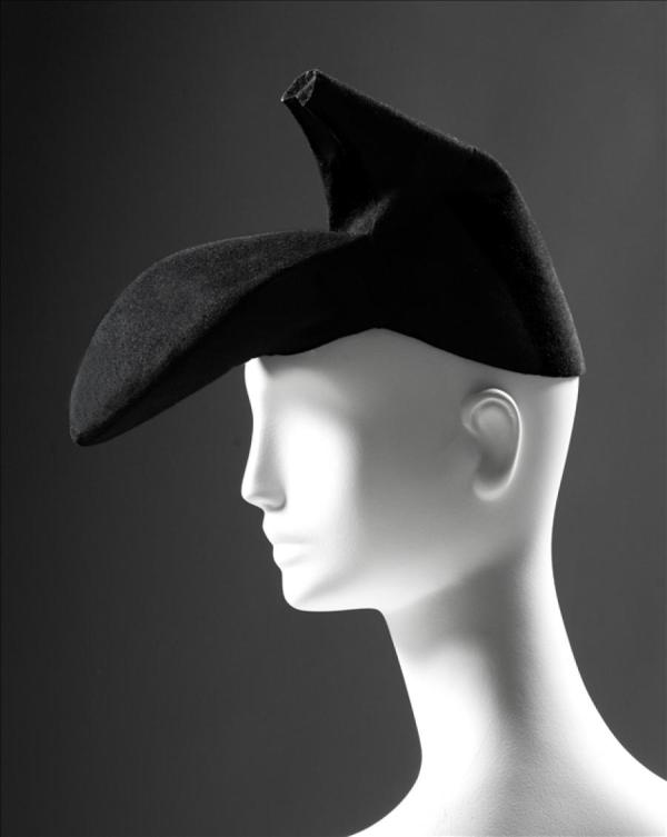 Shoe hat Elsa Schiaparelli in collaboration with Salvador