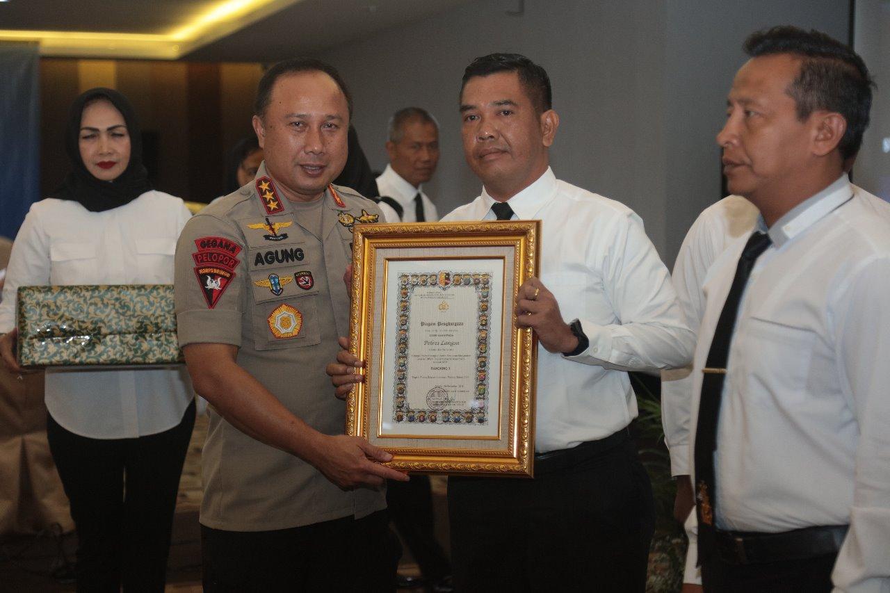 Polres Langsa mendapat peringkat tertinggi di seluruh indonesia .