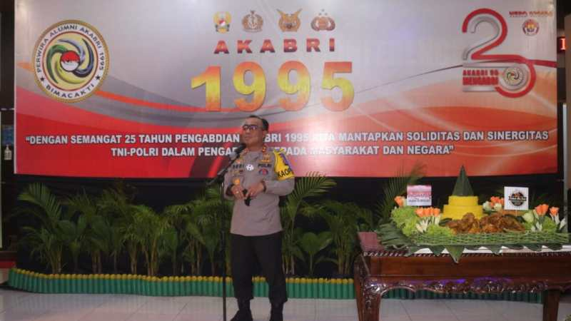 Bentuk Rasa Syukur 25 Tahun Mengabdi, Angkatan Akabri 1995 Polda Kalteng Gelar Syukuran dan Bansos