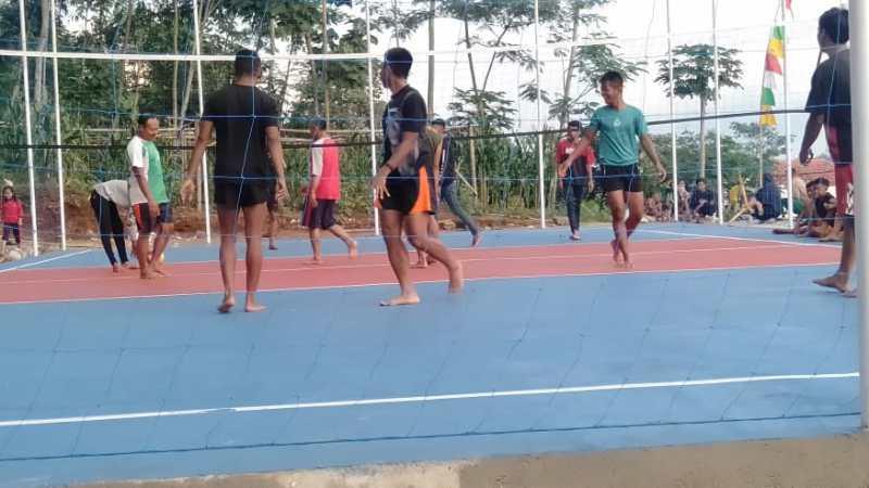 Jaga Kondisi Fisik Tetap Prima, Satgas TMMD Olahraga Bersama Warga
