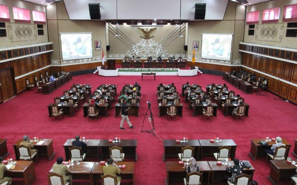 Rapat Paripurna DPRD Prov. Kalteng Anggaran 2019 Di Hadiri Wakapolda Kalteng