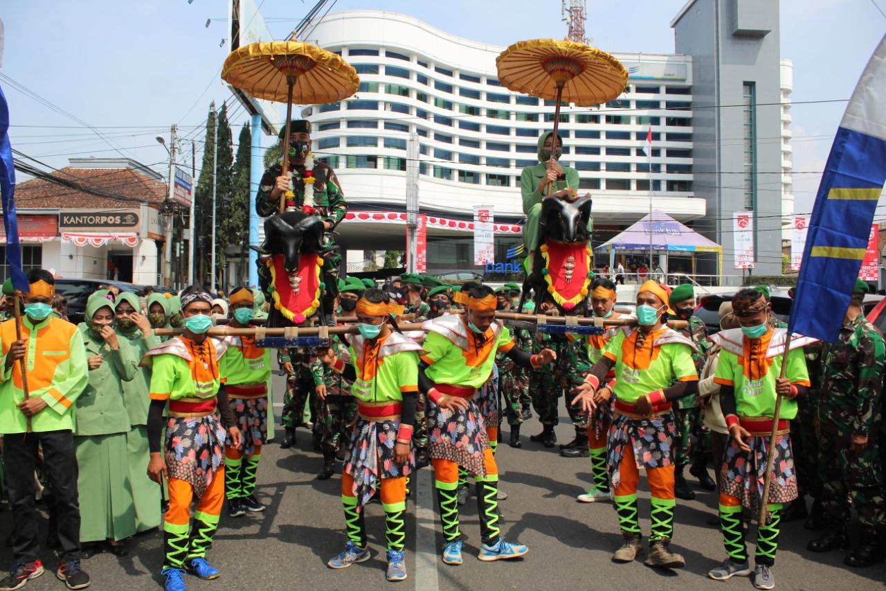 Dandim 0611/Garut Baru Sangat Terkesan Dengan kearipan Lokal Yang Ada Di Kabupaten Garut