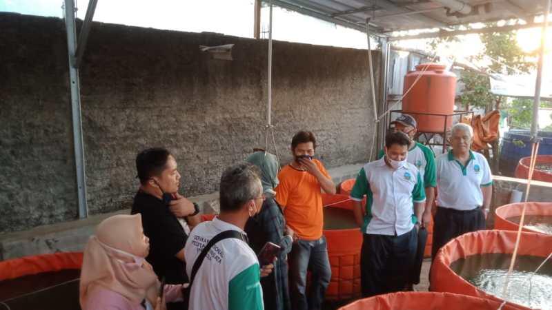 Prawita GENPPARI Kunjungi Sentra Budidaya Lele Bioflok di Tanjungsari
