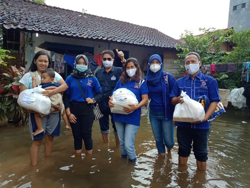 DPD Partai Nasdem Jepara, Salurkan Bantuan Bencana Banjir Di Desa Dorang Jepara