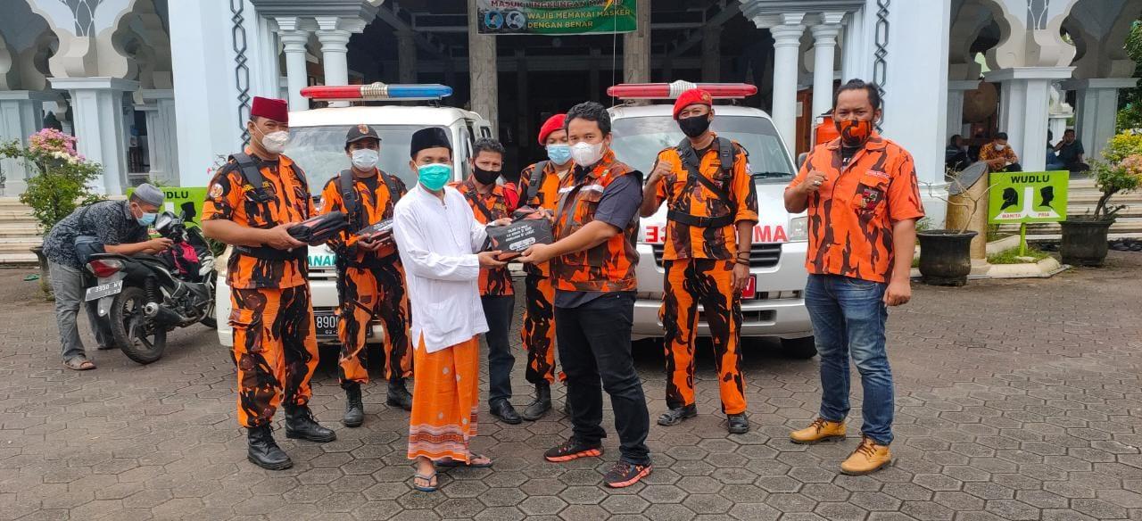 MPC Pemuda Pancasila Jepara ikut Sukseskan Gerakan Nasional  Sejuta Sajadah Pelindung Covid 19 Untuk Masjid