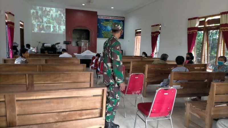 Patroli Keamanan Gereja Wujud Kehadiran TNI Polri