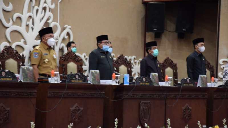 Jawaban : Pemandangan Umum Fraksi Pendukung DPRD Provinsi Kalteng, Ini Kata Gubernur Kalteng