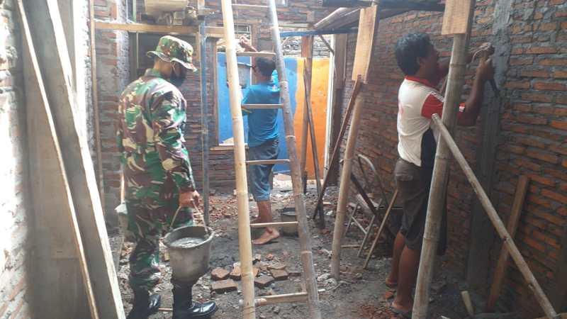 Wujud Nyata Kemanunggalan TNI dan Ràkyat Koramil 03 Serengan Rehab RTLH.