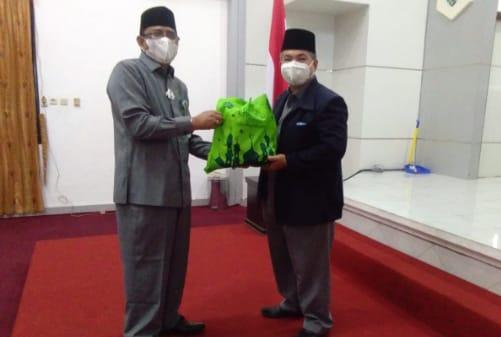 KPN Al Ikhlas Kemenag Kalteng Bagikan Bingkisan, Jelang Idul Fitri 1442 H