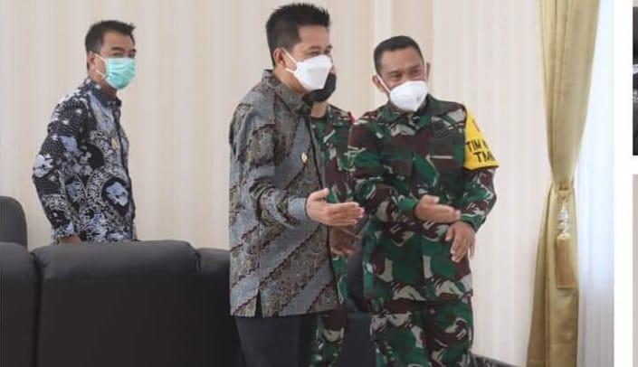 Bupati Barito Utara, H. Nadalsyah Sambut Ketua Tim Pengawas Dan Evaluasi TMMD