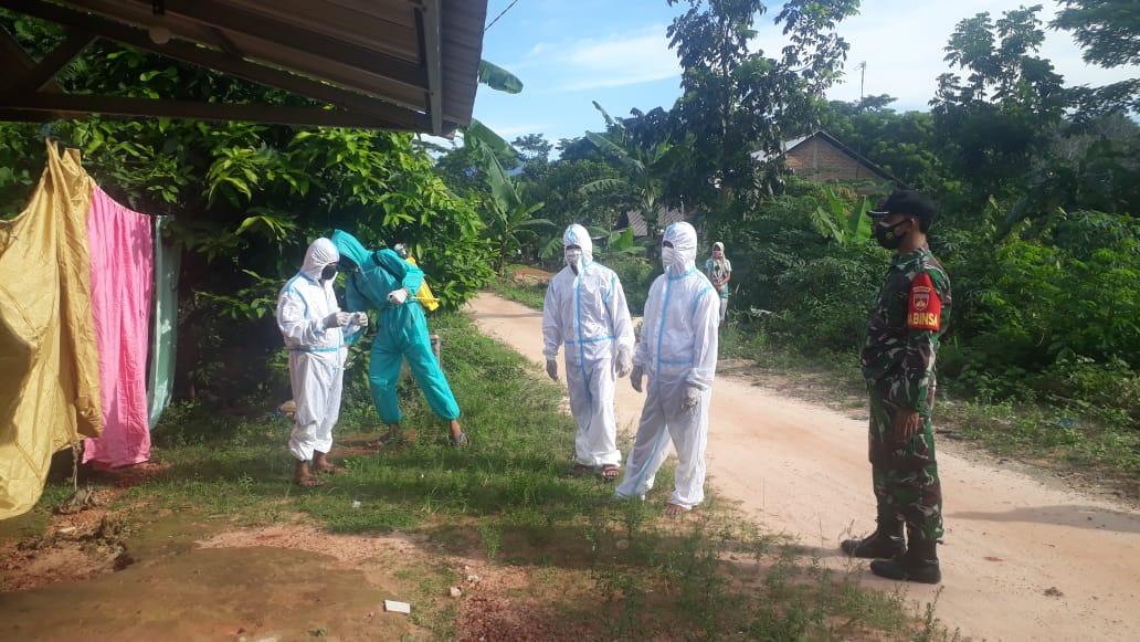 Rumah Warga Karimun Jawa Jepara Terdampak Covid-19 Disemprot Disinfektan