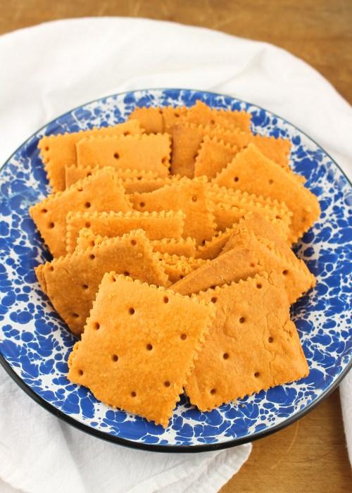 CrispyHomemade Cheddar Crackers