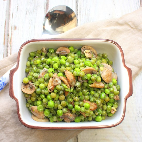 Creamy Peas with Mushrooms and Garlic
