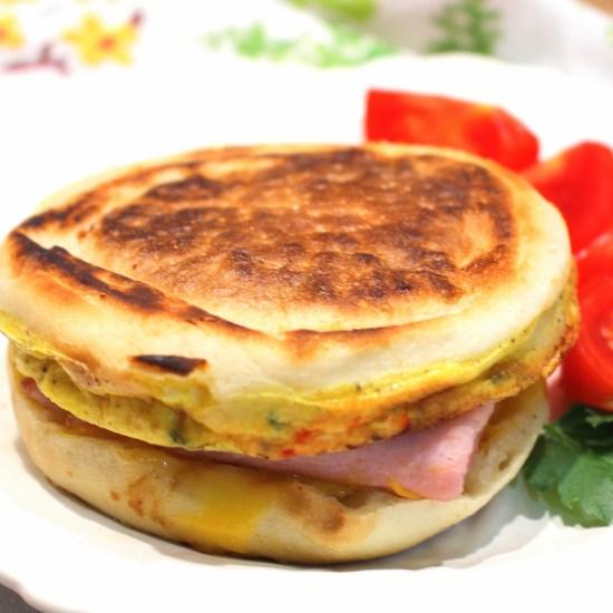 Western Omelet Breakfast Sandwich