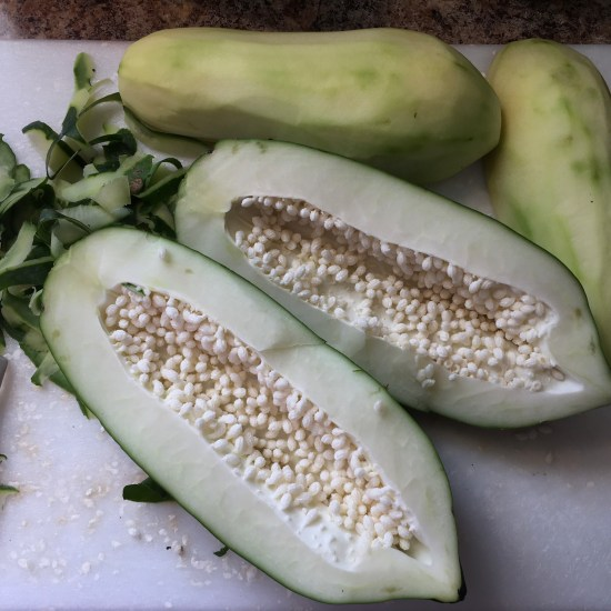 Green Papapaya with White Seeds