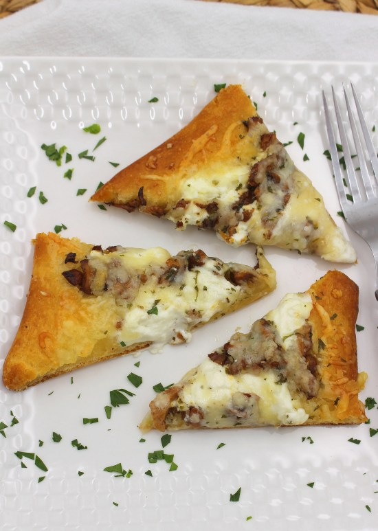 Flatbread with Mushrooms and Chabis