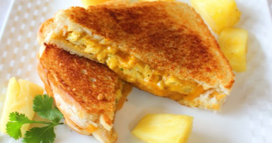 Spicy Huevos Grilled Cheese