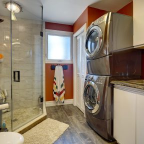 Bathroom/Laundry