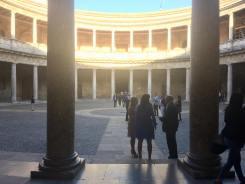 Pátio do Palácio de Carlos V, na Alhambra