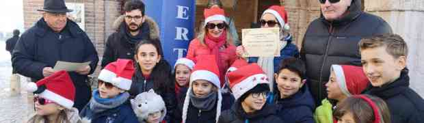7a Corsa dei Babbi Natale e delle Befane. Partenza alle 9.30 dalla Loggia del Municipio