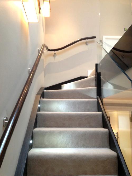 Light to Dark Oak Handrail  paleamber